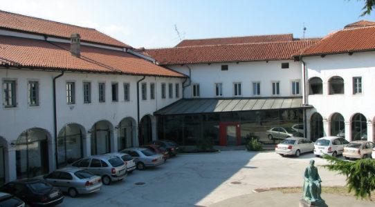 Zunanjost Pokrajinskega arhiva Koper